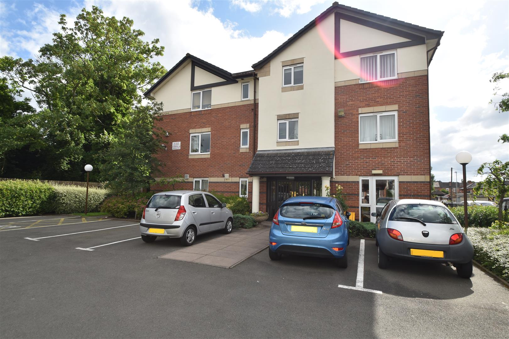 1 Bedroom Property for sale in Brook Street, Worcester